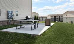 ivy-ridge-harrisburg-pa-have-a-barbecue-at-the-picnic-area-min